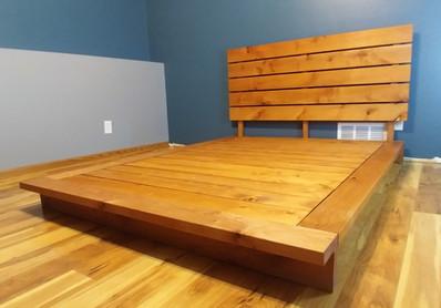 Full Alder Platform Bed