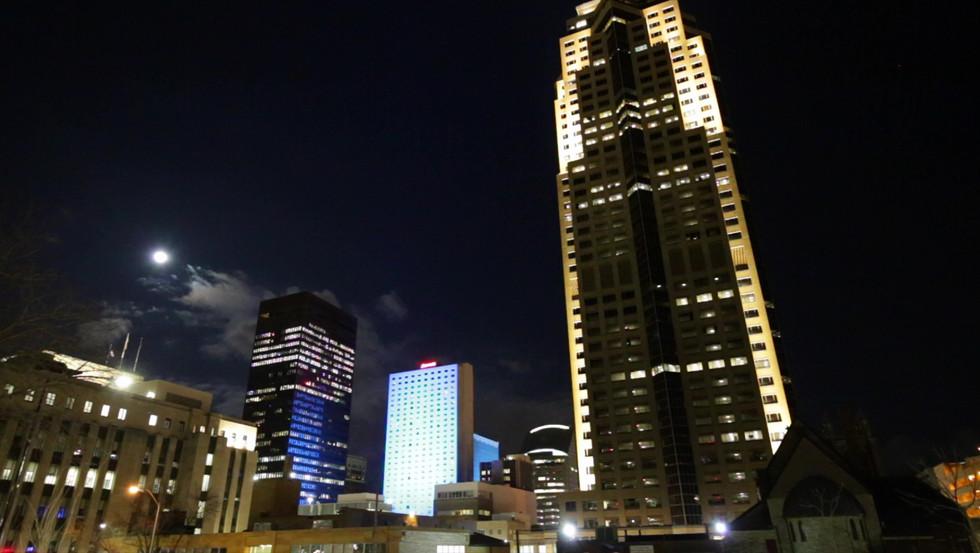 Downtown Marriott Lighting Timelapse.mov