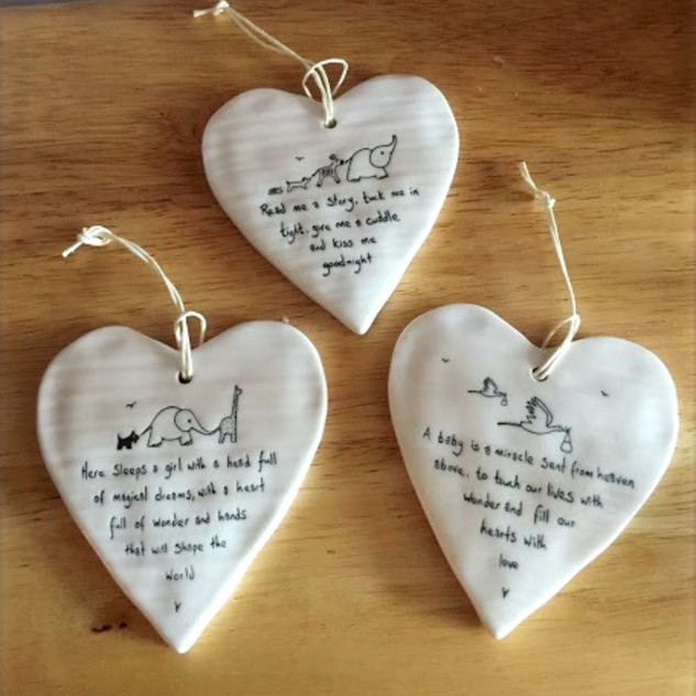 Porcelain heart-shaped hanging tags