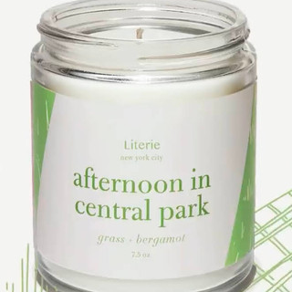 Candle has notes of grass and bergamot. Made of a soy and coconut wax blend and paired with high-quality fragrance oils.