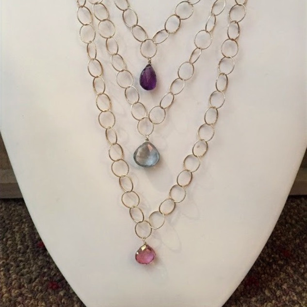 Hoop chain necklace with semi precious stones