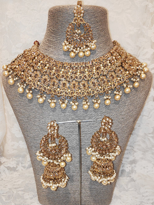 Large Collar - antic pearl beads with jhumki earrings