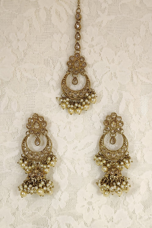 Antic earring tikka set with faux pearl beading