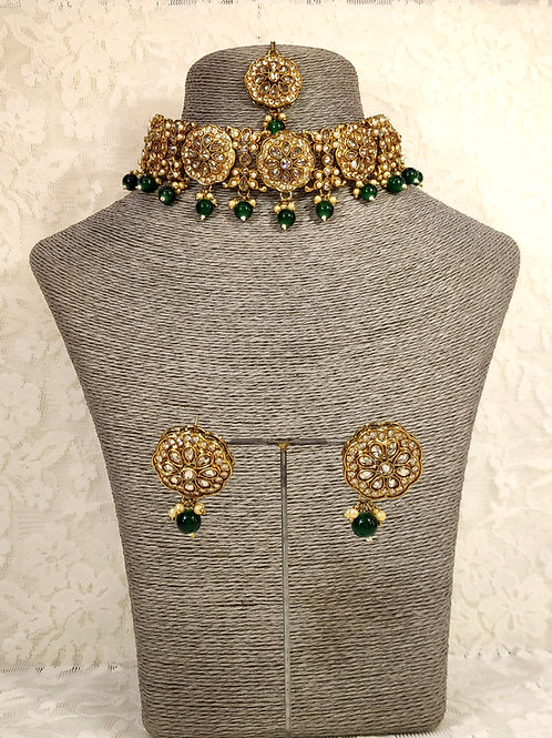 Choker set - faux pearl and green beading