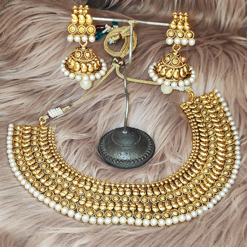 Antic collar set with pearl