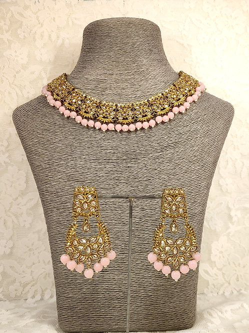 Slim Collar necklace with pink beads