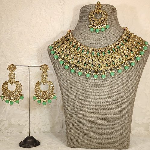 Large collar - faux pearl and mint beading
