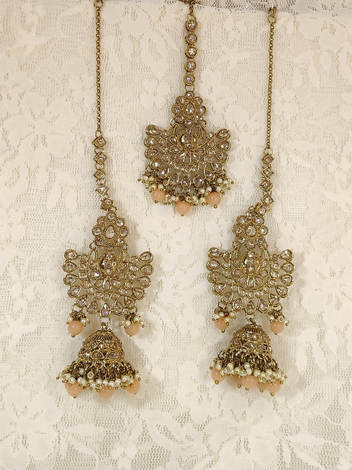 Antic earring tikka set with peach and faux pearl beading