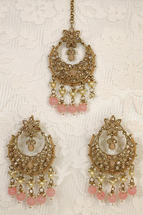 Antic earring and tikka set with peach pearl beading