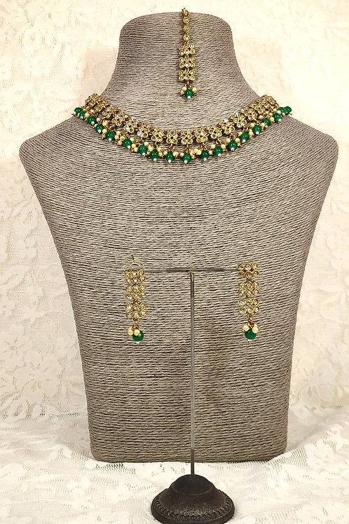 Slim Collar necklace with green beading