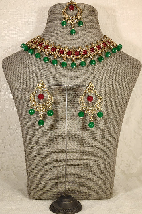 Slim Collar with green and pink beading