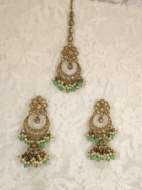Antic earring tikka set with sea green and faux pearl beading