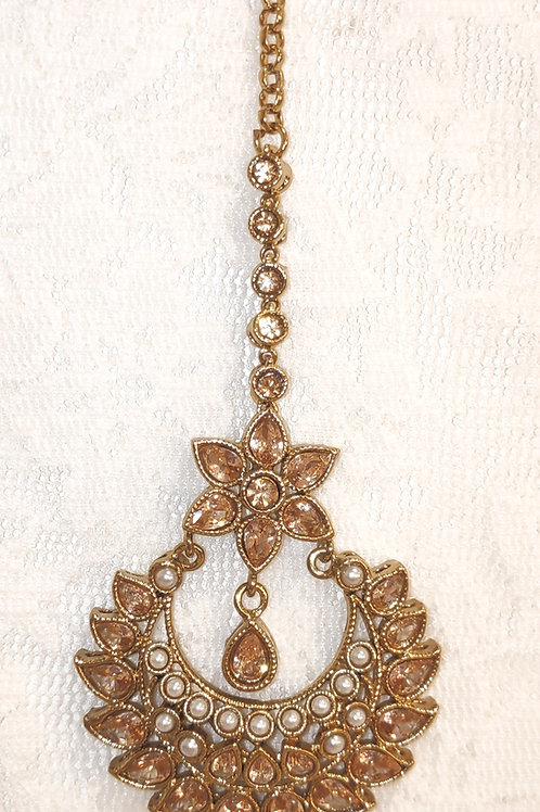 Antic tikka - gold ad stones with pearls