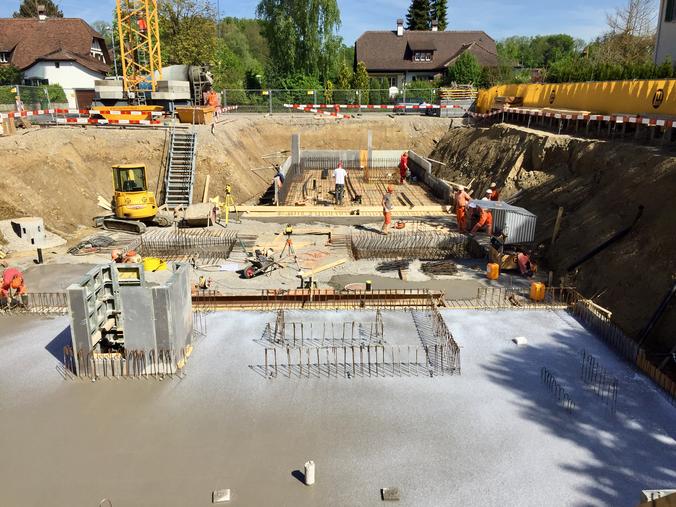 Betonieren Bodenplatte UGHaus Mannenried