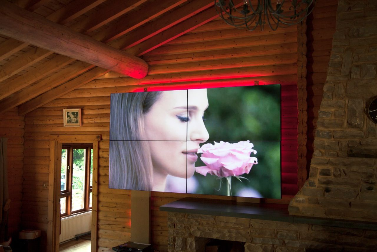 Video wall - 2x2 display