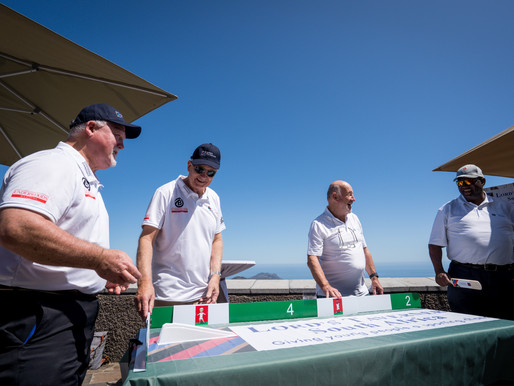 Gallery: Table Cricket on Table Mountain