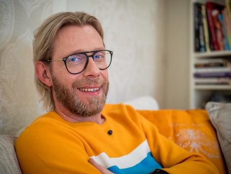 """Kimmo Vehviläinen: """"Selkä alkaa heti murjottaa, jos se joutuu vieraisiin!"""""""