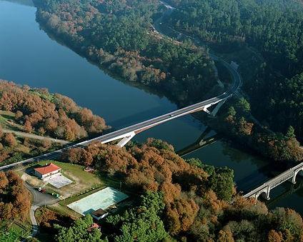 Viaducto río Miño_Cortegada.jpg