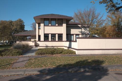 Frank Lloyd Wright House.jpg