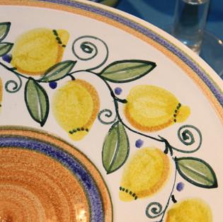 Schale mit Zitronenmotiv