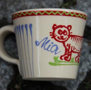 individuell gefertigte Tasse