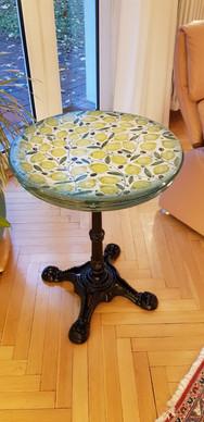 Tisch aus Keramik Zitrone