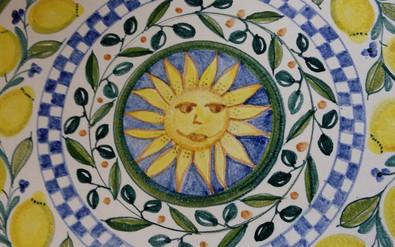 bemalter Tisch Sonne