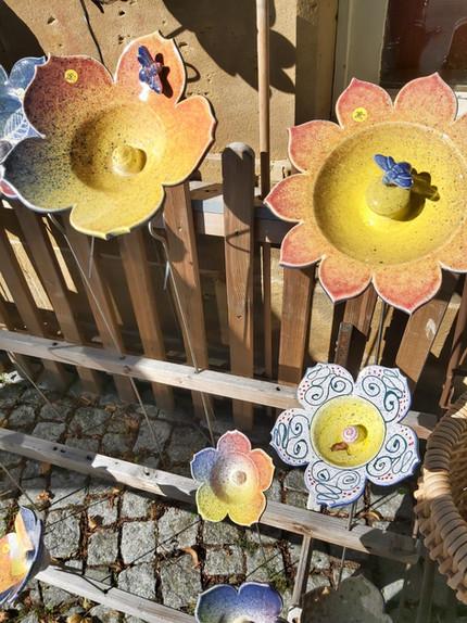 Blumen mit Vögeln