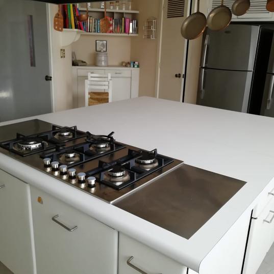 Cocina grande con estufa