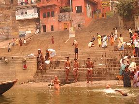 varanasi ghats.jpg