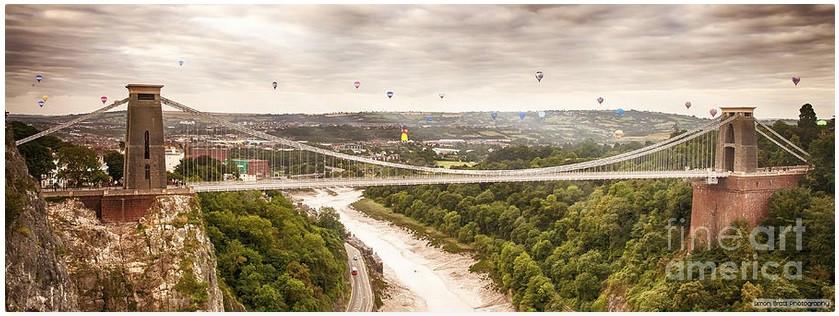 Balloon over Clifton Suspension Bridge