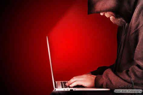 Computer hacker hooded red BG