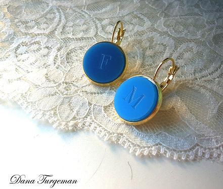 עגילים בכחול עם חריטה אישית/Personal Blue Earrings