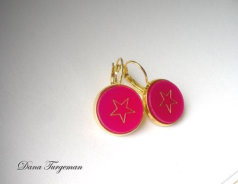 עגילים בורוד עם כוכב מוזהב / Hot pink Earrings