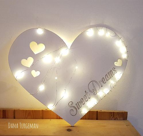 מנורת לילה לב , עם חריטה ותאורת פיות