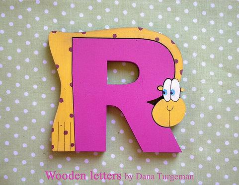 אותיות עץ עם ג'ירפות / pink letters with Giraffes
