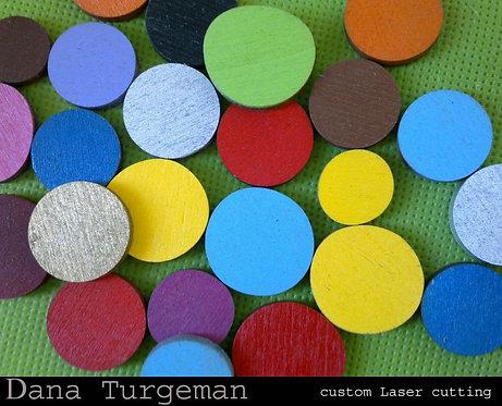 מיקס 50 עיגולי עץ בצבעים וגדלים שונים