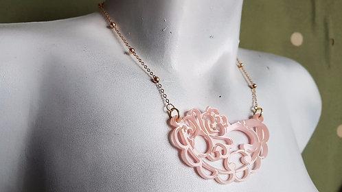 Dainty Pink Lace Necklace   שרשרת תחרה ורוד עדין