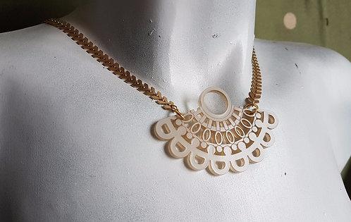 Elegant Gray Necklace     שרשרת תחרה אלגנטית באפור