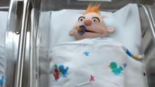 הכירו את שטקר - בובת התינוק שיצרתי לפרסומות של חברת החשמל..