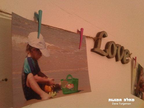 מתלה לתמונות וציורים, לבבות וכיתוב בטורקיז מיושן