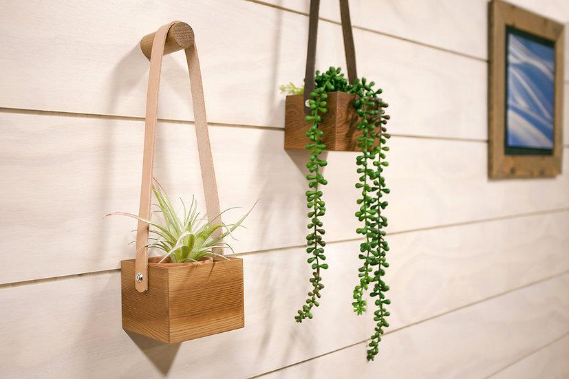 Hanging cedar planter