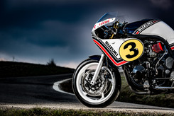 IDM LUCKY LEGEND SUZUKI OUR TRIBUTE TO THE MOTOGP LEGEND MARCO LUCCHINELLI