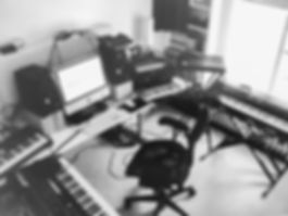 Electronic music artist | Lowfish | studio equipment and synthesizers and drum machines | Roland Jupiter 6 | Roland TR-808