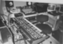 Electronic music artist | Lowfish | studio equipment and synthesizers