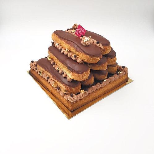 Pyramide d'éclairs au chocolat