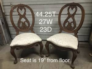 American Drew Armeless Dining Room Chair Pair $200.