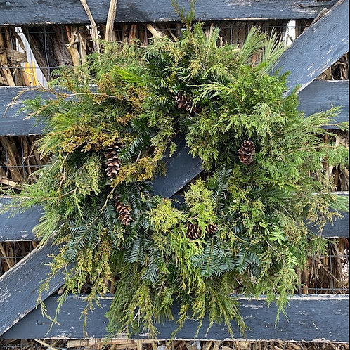 Lush Christmas Wreath with Pine Cones