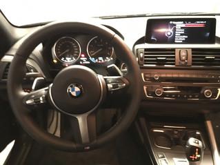 Volant BMW M Sport II à trois branches avec palettes, sur la Serie 120D coupé - F21 pack M
