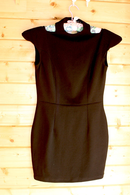 Size M Black Dress
